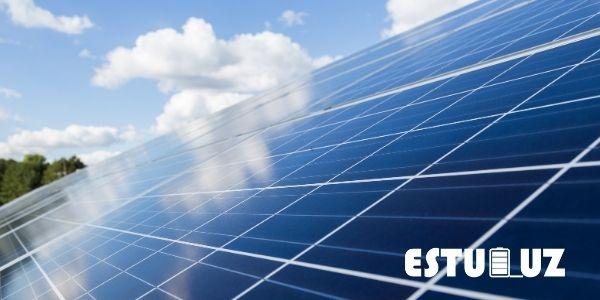 Imagen de los materiales de una placa solar